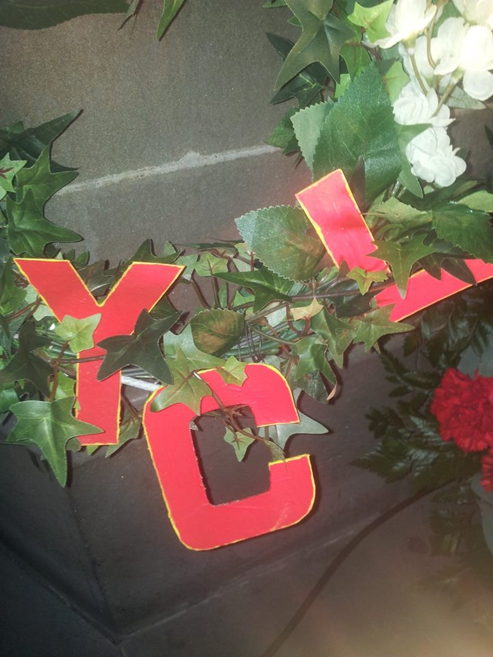 YCL wreath dedicated to the International Brigades